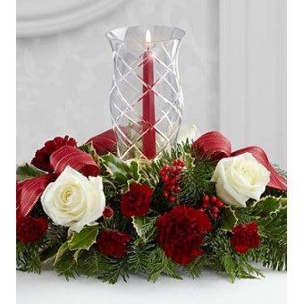 The FTD® Holiday Wishes™ Centrepiece