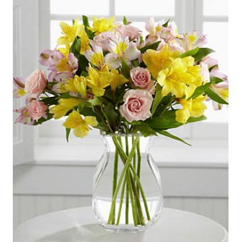 The FTD® Breathtaking Beauty™ Bouquet by Better Homes and Gardens®