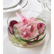 The FTD® Floating Beauty™ Centrepiece